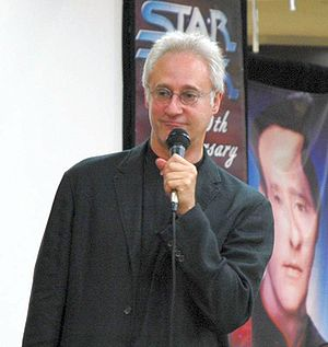 Lonely Among Us - Brent Spiner received both positive and negative reviews for his Sherlock Holmes impression whilst portraying Data in this episode.