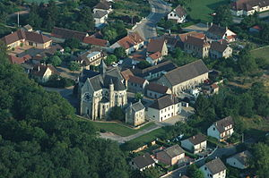 Bressolles, Allier - An aerial view of Bressolles