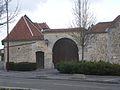 Breuil-le-Sec - Entrée de ferme, Place de la République.JPG