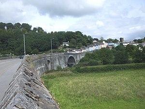 Llandeilo Bridge - Causeway approach from the south