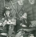 Bror og søster i teltet på Finnmarksvidda.jpg