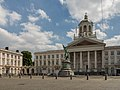Brussels, straatzicht Place Royale met église Saint-Jacques-sur-Coudenberg oeg2043-01020 en standbeeld van Godefroid de Bouillon foto3 2015-06-07 13.53.jpg