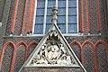 Budel - Kerkstraat 10 O.L. Vrouw Visitatie kerk- Timpaan.JPG