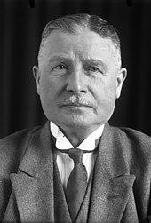 Brustporträtfoto von Wilhelm Groener. Reichswehrminister Wilhelm Groener baute die Armee innerhalb politischer Rahmenbedingungen aus