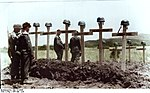 Bundesarchiv Bild 141-0848, Kreta, Soldatengräber Recolored.jpg