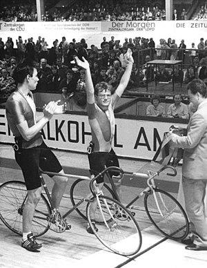 Erik Zabel - Zabel (left) applauding for Frank Seeland