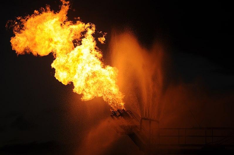Burning gas from Deepwater Horizon oil spill 2010-05-16.jpg