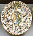 C.sf., urbino, bottega dei patanazzi, piatto ovale con stemma contarini, post 1597, 02.JPG