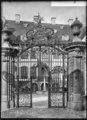 CH-NB - Basel, Blaues Haus, Gitterportal, vue d'ensemble - Collection Max van Berchem - EAD-6956.tif