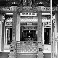 COLLECTIE TROPENMUSEUM Chinese tempel in de Tempelstraat TMnr 10015627.jpg