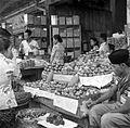 COLLECTIE TROPENMUSEUM De grote markt te Bandung West-Java TMnr 10002533.jpg
