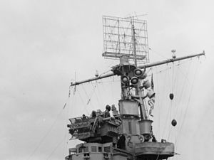 CXAM radar - Image: CXAM 1 radar and Mk 33 gun director aboard USS Ranger (CV 4) on 8 November 1942 (80 G 30244)