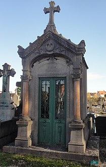 Cambrai - Cimetière de la Porte Notre-Dame, sépulture remarquable n° 38, Georges Maroniez, artiste-peintre (01).JPG