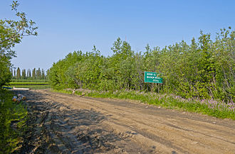 Tuktoyaktuk Winter Road - Image: Carn Street at Mackenzie River, Inuvik, NT