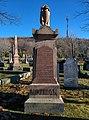 Cartopartie dans le cimetière Mont-Royal. 05.jpg