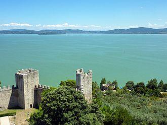 Lake Trasimeno - Fortress and lake, Castiglione