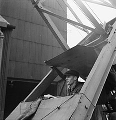 Cecil Beaton Photographs- Tyneside Shipyards, 1943 DB139.jpg