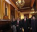 Cena de Estado que en honor del Excmo. Sr. Xi Jinping, Presidente de la República Popular China, y de su esposa, Sra. Peng Liyuan (8960388746).jpg