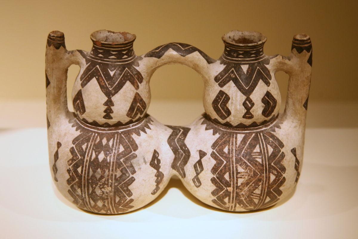 Tugna:Ceramic Kabyle peoples double vessel (19th century).jpg - Wikipedia, tasanayt tilellit