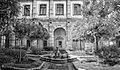 Certosa di Padula - giardino interno.jpg
