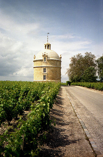 History of Bordeaux wine - Château La Tour in Bordeaux