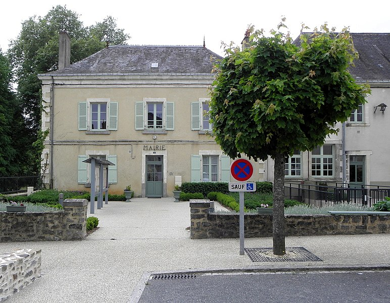 Mairie de Chémeré-le-Roi (53).