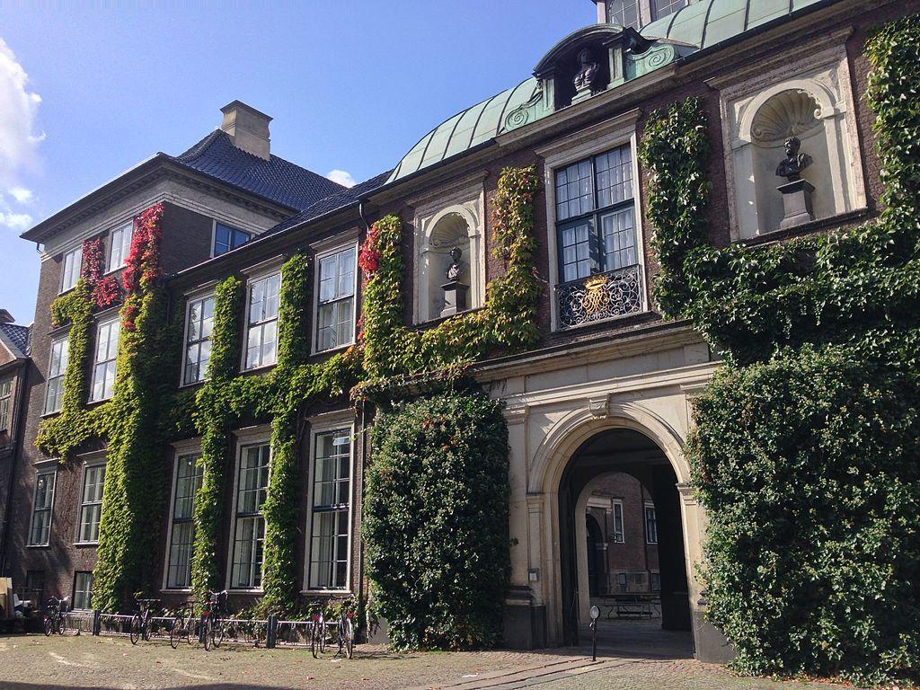Charlottenborg, Copenhagen.jpg