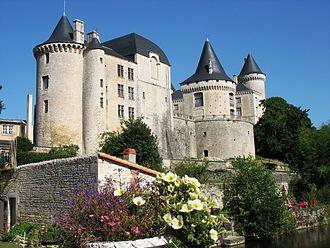 François de La Rochefoucauld (writer) - Chateau Verteuil, residence of La Rochefoucauld in Poitou-Charentes