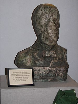"Jára Cimrman - Jára Cimrman, an alleged ""auto-bust"" showing the bearer's ""worn-out features"". Theatrical property of Divadlo Járy Cimrmana."