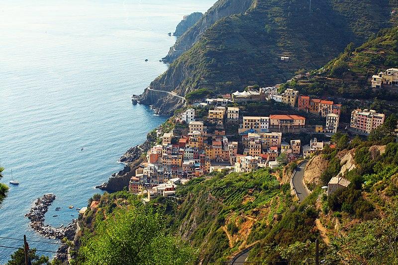 File:Cinque Terre Consorzio Turistico, Monterosso al Mare, Italy (Unsplash).jpg