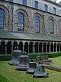 Cloître de l'ancien monastère Sainte-Gertrude.JPG