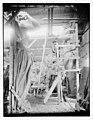 "Coney Isl- making ""Staff"" decorations LCCN2014681375.jpg"