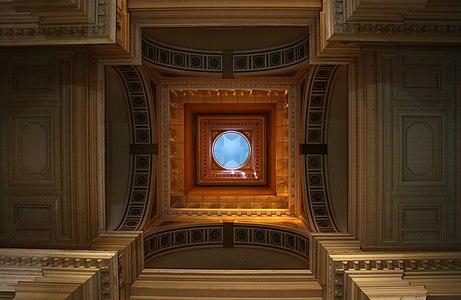 Coupole du Palais de Justice de Bruxelles 04.jpg