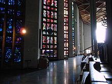 Lee's ramen in het Schip van Coventry Cathedral