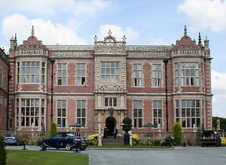 Jacobean architecture - The Jacobean east wing of Crewe Hall, Cheshire, built in 1615–36