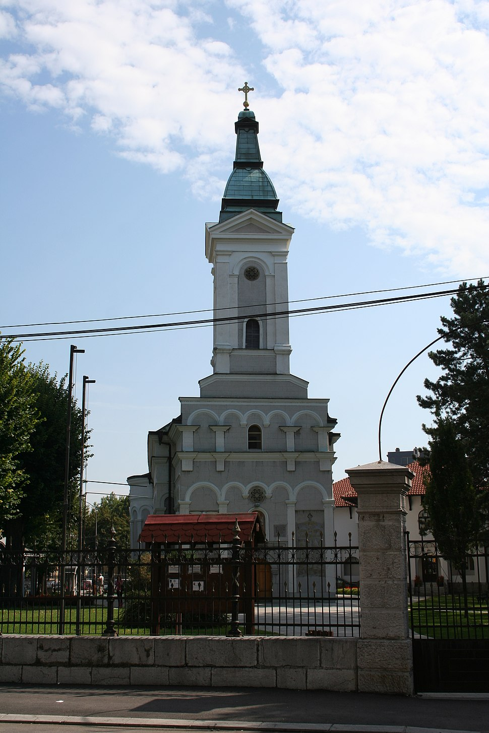 Crkva Pokrova Presvete Bogorodice, Valjevo 001