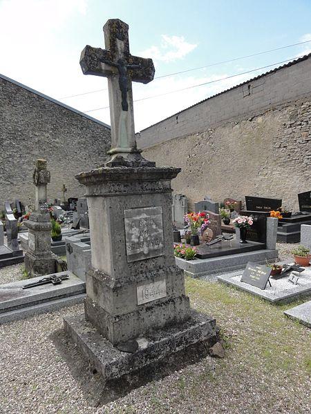 Croismare (M-et-M) croix de cimetière, commém. 1944