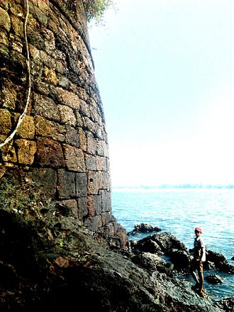 Basavaraj Durga Island - Fort wall in a curve shape