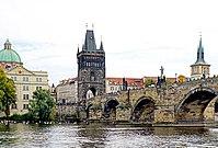 Czech-03942 - Charles Bridge (32206192593).jpg