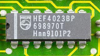 DOV-1X - Philips HEF4023BP on printed circuit board-9792.jpg