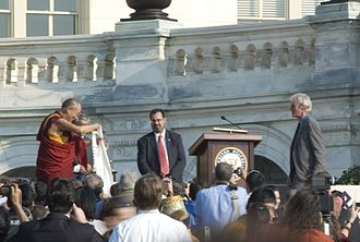 Richard Gere - Gere presented with a Khata by the 14th Dalai Lama, October 17, 2007