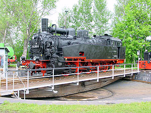 Saxon XI HT - Steam locomotive 94 2105 on the turntable of the railway museum at Schwarzenberg in the Ore Mountains (2 June 2001/photo by geme)