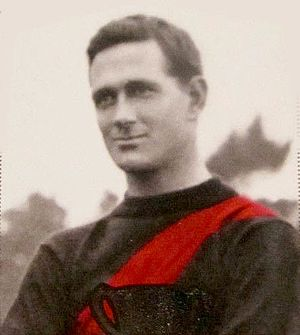 Essendon Football Club - Dave Smith captained Essendon to premiership success in 1911.