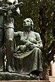 Delio granchi, Monumento al partigiano di sesto fiorentino, 1949, 08 donna con bambino.jpg