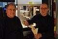 """Die!!! Weihnachtsfeier 2013, 459 Diese beiden Mitarbeiter vom Hannover Airport (Flughafen Hannover-Langenhagen GmbH) kümmerten sich ehrenamtlich am Auto Peppino um """"Popcorn satt"""".jpg"""