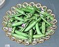 Dish with peas c1820 VA 414-810a-1855.jpg