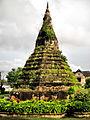 Downtown Vientiane Stupa (1489859741).jpg