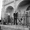 Dr. J.A. Nederbragt (geheel rechts), de Nederlandse vertegenwoordiger in Israël,, Bestanddeelnr 255-0451.jpg