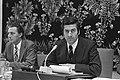 Drs R F M Lubbers (Economische Zaken) praat in SER-gebouw over revaluatie va, Bestanddeelnr 926-6898.jpg
