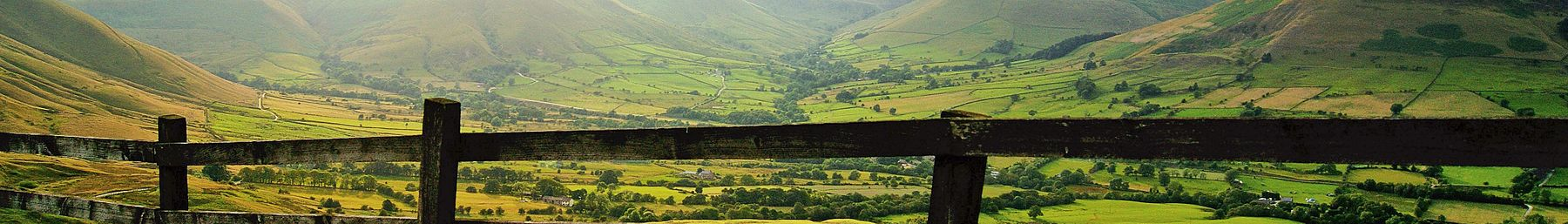 A view across the Edale valley
